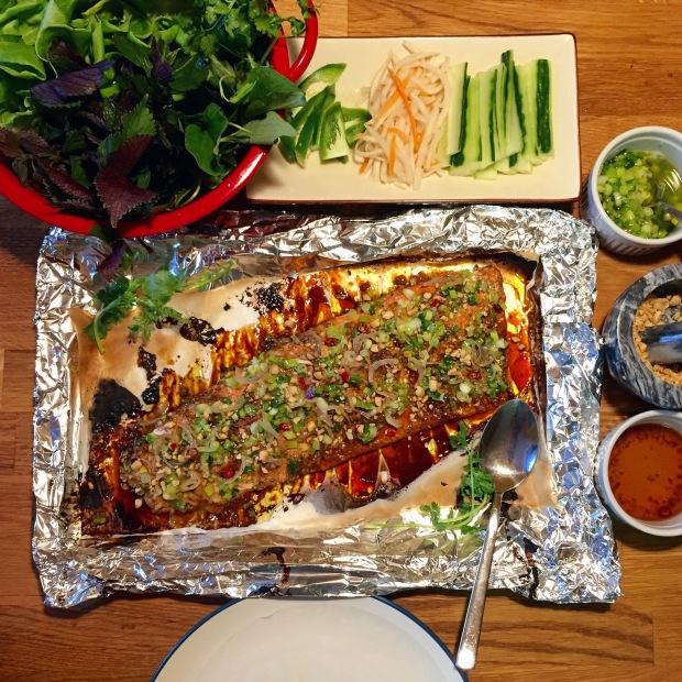 Cá Nướng Cuốn Bánh Tráng (Grilled Whole Catfish)